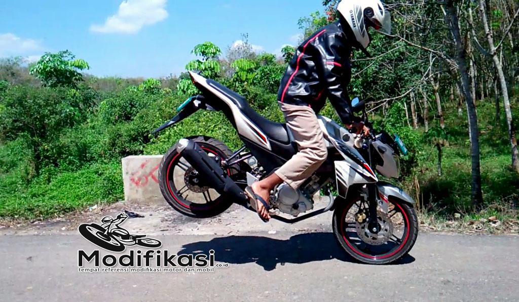 Motor Yamaha New Vixion Lightning