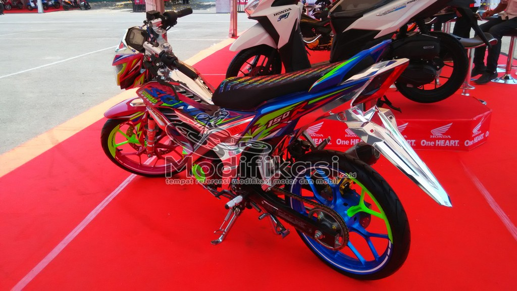 Gambar Modifikasi New Honda Sonic 150 r