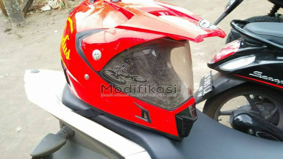 Helm SNail MX 311 Warna Merah