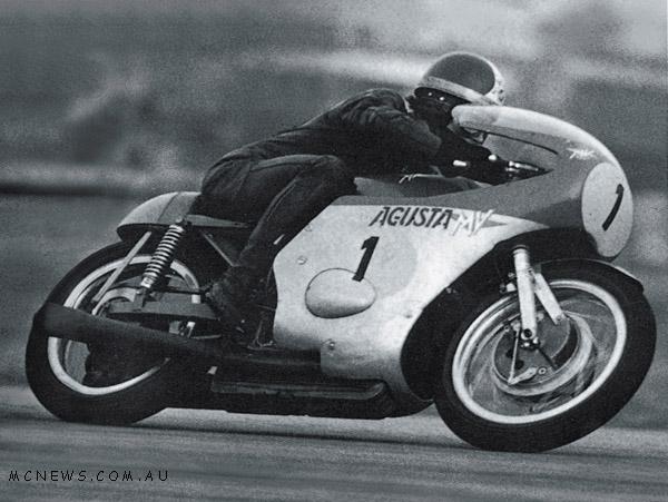 periode 1956 s/d 1972 motor Agusta buatan italia merajai lomba