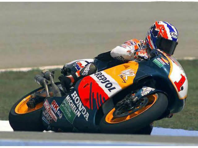 Era Mike dohan juara dunia th 1994 s/d 1998 bersama Honda