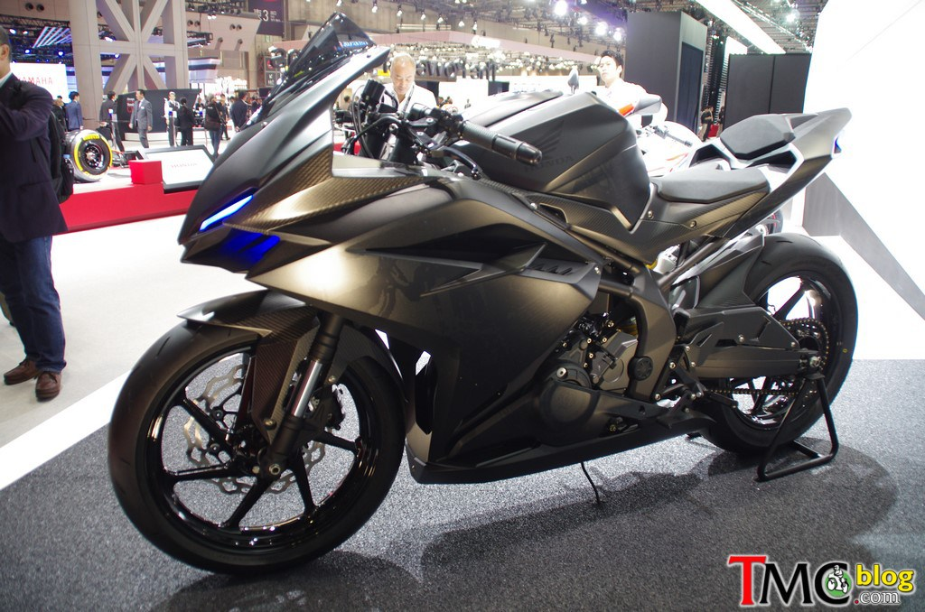 All New Honda CBR 250 RR 2 Silinder Samping