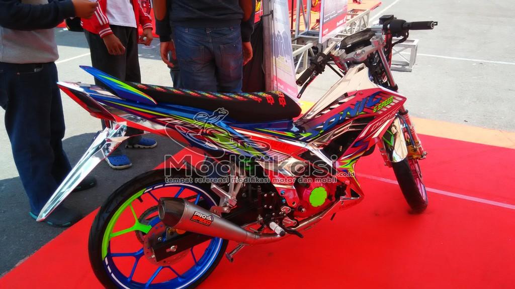 Foto Modifikasi New Honda Sonic 150 r