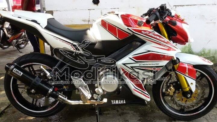 Modifikasi Yamaha New Vixion Lightning Half Fairing