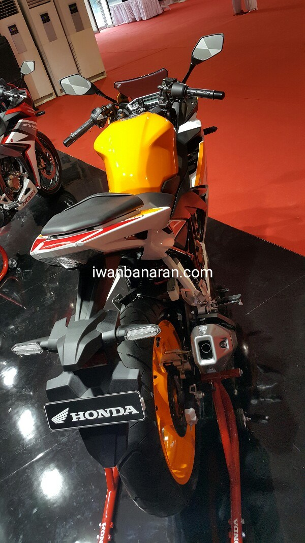 Belakang All New Honda CBR R 150 2016 Repsol